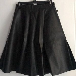 Forever 21 NWT Black faux leather lined skirt